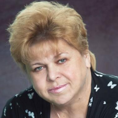 Зам. директора по УВР (естественно-математическое направление) Куприенко Зинаида Николаевна